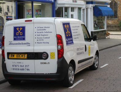 An image of an All Masons Locksmiths van