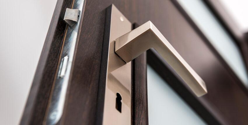 Image of an open door